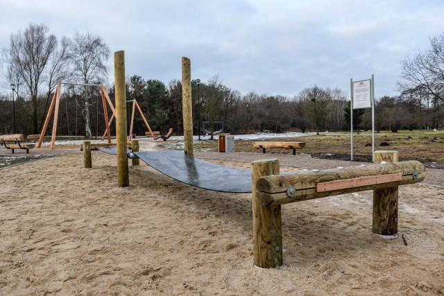 """""""Karuzelin""""- plac zabaw dla dorosłych zrealizowany w Parku Reagana w ramach budżetu obywatelskiego"""