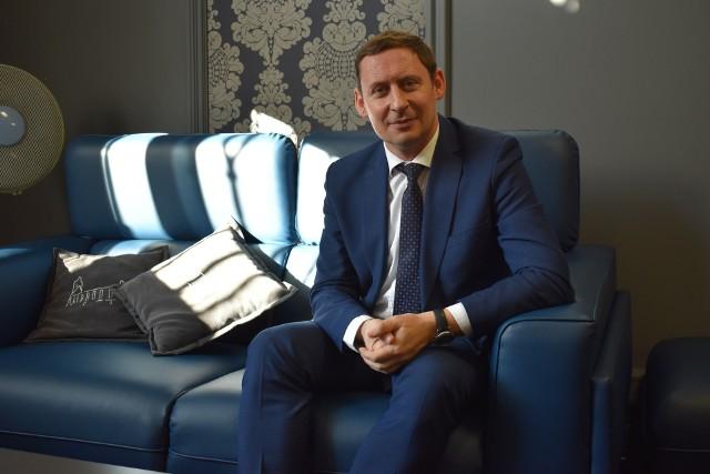 Burmistrz Bartłomiej Bartczak uważa, że przeprowadzenie wyborów prezydenckich w maju nie będzie możliwe.