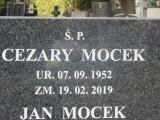 Nagrobek dla Cezarego Mocka bohatera Sanatorium miłości na łódzkim cmentarzu