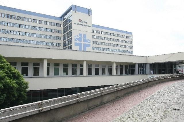 W poradni przy szpitalu im. Kopernika na rehabilitację są zapisywani tylko pacjenci ze skierowaniami od tutejszych lekarzy.