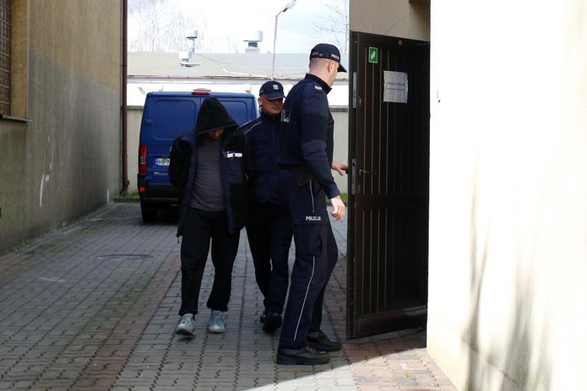 Sąd Okręgowy w Słupsku w październiku ubiegłego roku po procesie poszlakowymnieprawomocnieskazał Daniela M. za zabójstwo żony Andżeliki Jakubowskiej i wyłudzenie alimentów na dziecko, które rzekomo opuściła matka