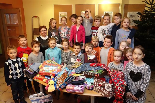 Dzieci z klasy II B ze SP nr 83 w Łodzi przyniosły wiele darów