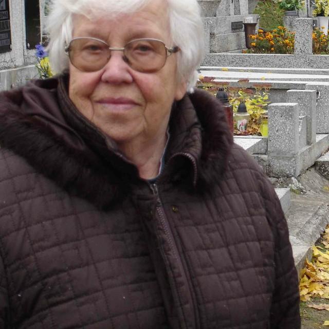 - Tak jak co roku, pieniądze będziemy zbierali do puszek przy głównych bramach ełckiego cmentarza - mówi Halina Orzechowska, prezes Towarzystwa Przyjaciół Grodna i Wilna