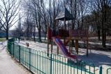 Wrocławianie wpadli z narkotykami, bo pili alkohol na placu zabaw