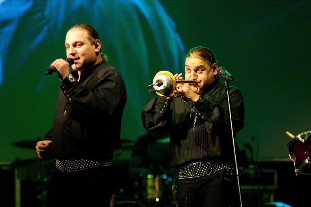 Bracia Łukasz i Paweł Golcowie wrócili z nowym materiałem muzycznym. To połączenie etnicznego brzmienia i klasyki
