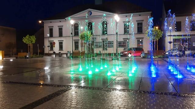 Nowa fontanna na dobrodzieńskim rynku.