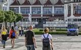 """Branża turystyczna cierpi. Polacy rezygnują z wyjazdów. """"Stan rezerwacji w hotelach w okresie wakacyjnym nie przekracza 20 proc."""""""