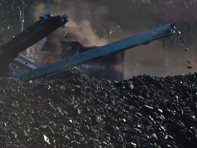 Na uciążliwą obecność tych hałd węgla mieszkańcy narzekają od sierpnia 2012 roku