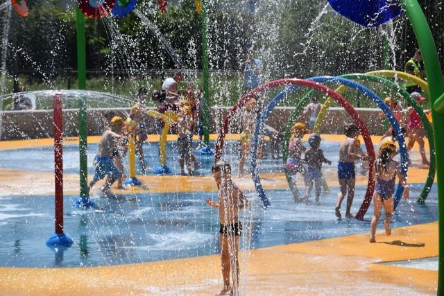 Wodny plac zabaw przy osiedlu Odrodzenia w Katowicach