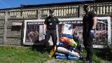 Funkcjonariusze służby więziennej zebrali 150 kg karmy dla bezdomnych czworonogów ze schroniska przy ul. Marmurowej