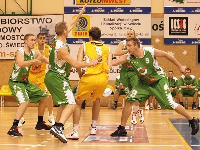Wiele wskazuje na to, że sezon 2011/12 KK Świecie zakończy pojedynkami z Open Florentyna Pleszew.