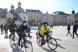 Kiedy będziemy mogli zdjąć maseczkę na rowerze i w czasie biegania? Mamy nowe informacje!