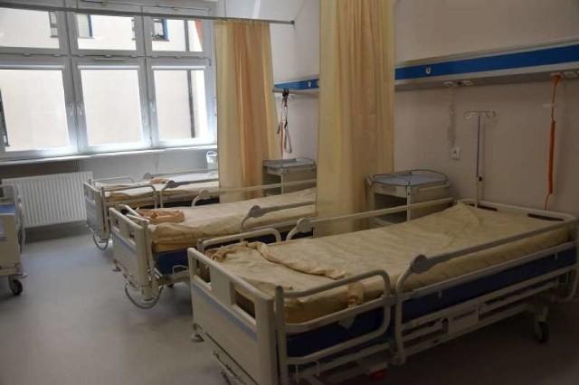 3 miliony złotych - tyle kosztowała modernizacja oddziału neurologii w szpitalu w Ostrowie Wielkopolskim. W czwartek, 27 czerwca, odbyło się oficjalne otwarcie wyremontowanego oddziału. Znajduje się na nim także pododdział dla osób po przebytym udarze.