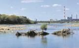 Po drugie: Autostrada wodna na Wiśle. W rzece ubywa wody