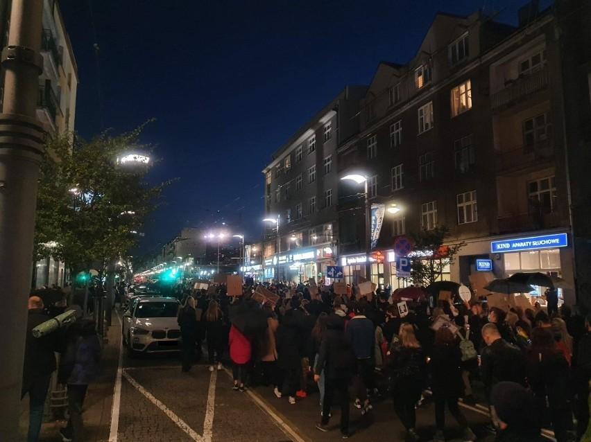 Gdyński protest przeciwników zaostrzenia przepisów...