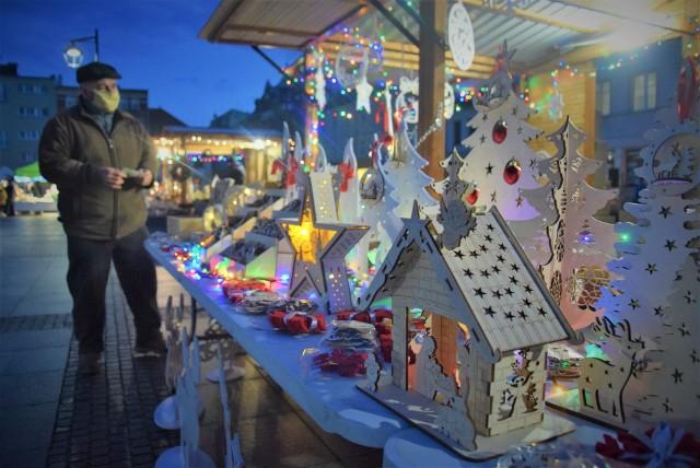 Jarmark bożonarodzeniowy 2020 na kozielskim Rynku.