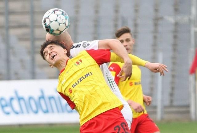 Marcin Szpakowski zdobył bramkę dla Korony Kielce w meczu z Sandecją Nowy Sącz.