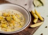 Zupa ogórkowa PRZEPIS. Jakie przyprawy do ogórkowej? Zupa ogórkowa z ryżem, ogórkowa na rosole i zupa krem z tartą rzodkiewką