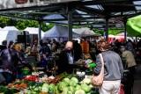 Ceny warzyw i owoców w Łodzi. Jakie ceny na Zjazdowej? Zobacz, ile kosztują warzywa i owoce w Łodzi? [CENA WARZYW I OWOCÓW 10 lipca 2020]
