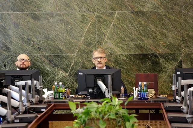 Szef KRS Leszek Mazur odwołany. Posadę stracił także rzecznik Rady