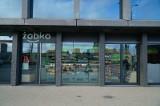 Najmniejszy sklep sieci Żabka powstał w Poznaniu - otwarto go w biurowcu Bałtyk [ZDJĘCIA]