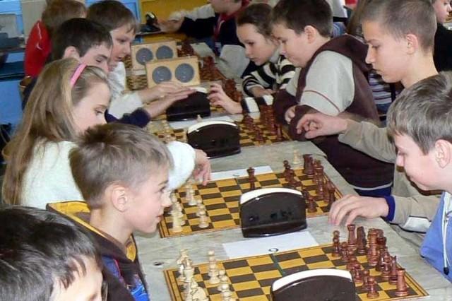 Jeszcze niedawno w Sokółce szachy były sportem obcym. Z roku na rok chętnych do gry jest coraz więcej.