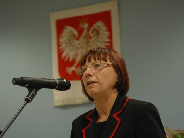Wojewoda Helena Hatka dziękuje swoim współpracownikom za ciężką pracę.