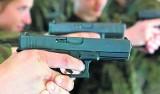 W Polsce wydano pozwolenia na broń 215 tysiącom osób. Pistoletów w prywatnych rękach przybywa z roku na rok