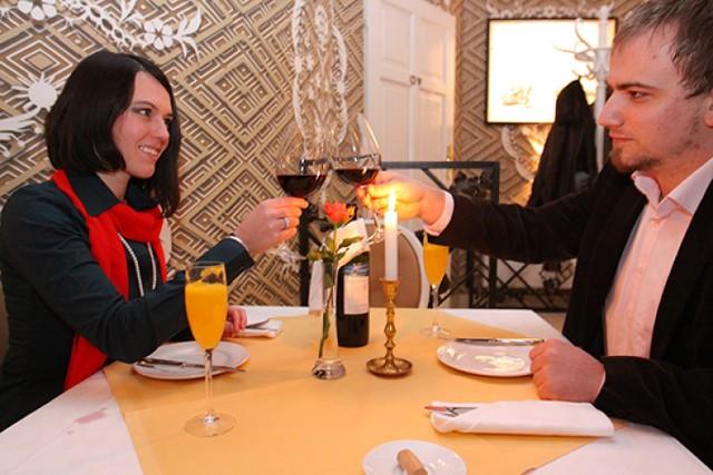 """Trójmiasto Restaurant Week1-10 kwietnia, Trójmiasto-""""Tematem przewodnim najbliższego Festiwalu najlepszych Restauracji jest hasło """"Kwitnąca scena restauracyjna"""" - czytamy na profilu wydarzenia.Mieszkańcy Trójmiasta będą mieli okazję spróbowania trzydaniowego doświadczenia restauracyjnego (przystawka, danie główne, deser) w festiwalowej cenie 39 zł, czyli znacznie poniżej codziennej ceny takiego menu. Lista restauracji biorących udział w Festiwalu"""
