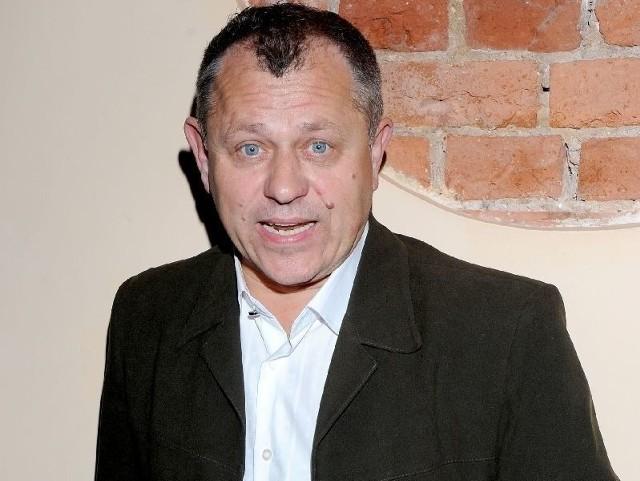 Tomasz Chudecki, aktor odwiedzi bibliotekę w Pińczowie.