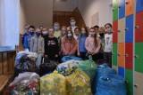 Gmina Gdów. Rusza kolejna zbiórka plastikowych nakrętek na rzecz Weroniki, potrąconej przez samochód