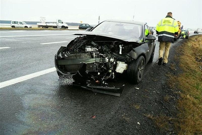 W wyniku wypadku dwie osoby zostały ranne.