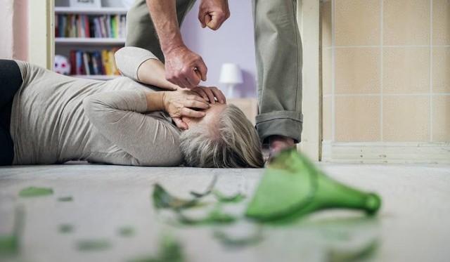Coraz częściej ofiary przemocy nagłaśniają w mediach społecznościowych swój dramat