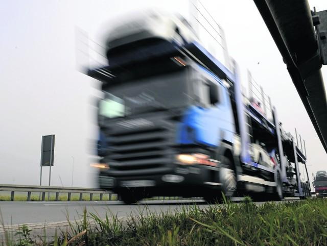 Mimo wcześniejszych zapewnień, w naszym województwie będzie działał nowy system pomiaru prędkości. Ma sprawić, że kierowcy nie będą przekraczać dozwolonej prędkości