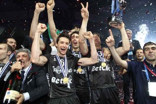 Tak cieszyli się w Łodzi siatkarze Trentino z wygrania Ligi Mistrzów.
