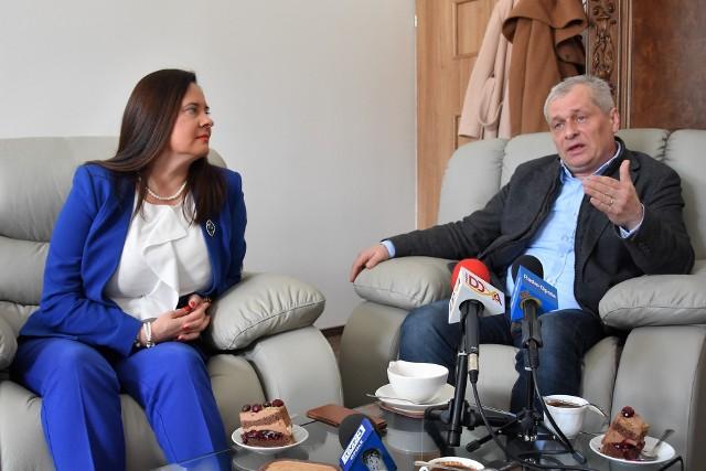 Sławomir Kłosowski i Violetta Porowska, szefowa PiS w regionie - kampania do Parlamentu Europejskiego, marzec 2019