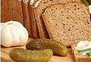 Chleb IG z kieleckiej Społem PSS ma niski indeks glikemiczny, dlatego powinny go spożywac osoby, które nie chcą przytyć