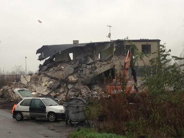 Prace wyburzeniowe na kortach przy Astrów - 29.11.2013 r.