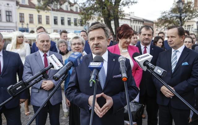 Wojciech Buczak kandydat PiS na prezydenta Rzeszowa rozpoczął kampanie wyborczą.