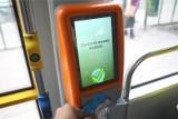 Duże zmiany w komunikacji miejskiej w Poznaniu. W pojazdach MPK kupimy bilet za pomocą karty płatniczej. Co jeszcze się zmieni?