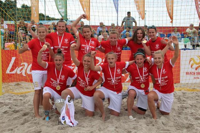 Złotka z Lady Grembach EE Łódź zostały mistrzyniami Polski w piłce nożnej na plaży, chcą walczyć w Lidze Mistrzów