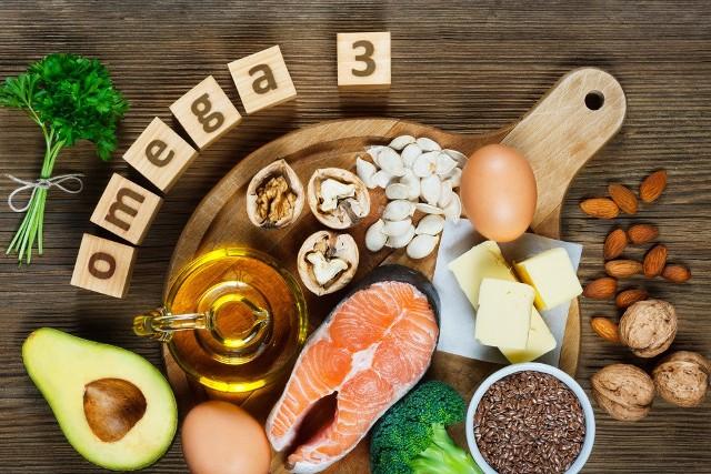 Nie da się ukryć, że najważniejszym źródłem kwasów omega-3 w naszej diecie są ryby. Cennym źródłem kwasów tłuszczowych są również produkty, w których skład wchodzą oleje roślinne.