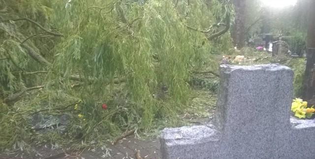 Tak wyglądał cmentarz w Gorzowie po ulewie.