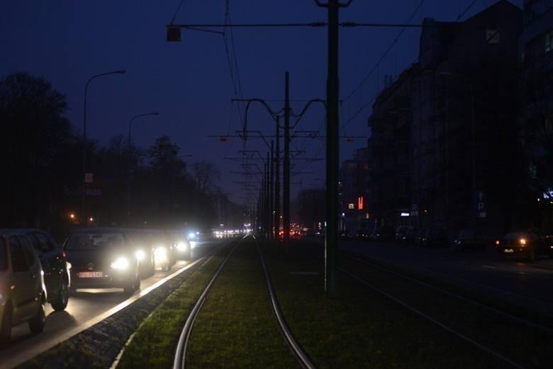 """Toruń ciemny """"do odwołania""""! Prezydent nie przywróci oświetlenia ulic i iluminacji zabytków"""