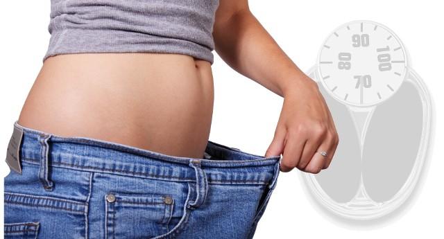 Najmodniejsze diety w opinii dietetyka. Zobacz, na którą dietę postawić: dietę 1500 kcl, dietę nieskowęglowodanową czy dietę SIRT.