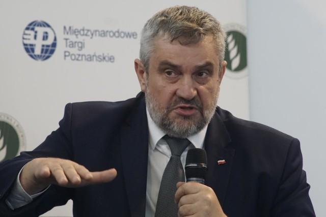 """Ardanowski wraca do sporu z nauczycielami? """"Niektórzy uznali za upokarzające, że mają wykonywać pracę chłopa"""""""