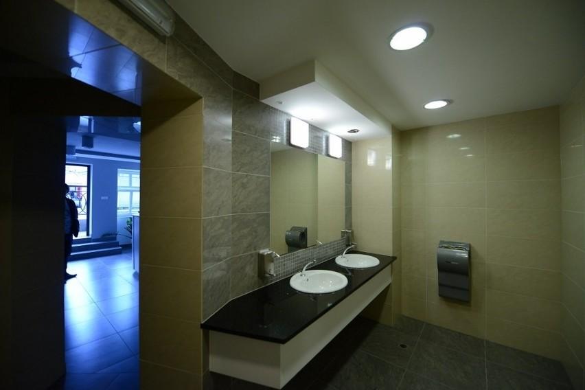 Rynek Łazarski w Poznaniu: Toaleta za 780 tys. zł już działa