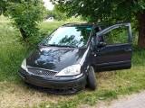 Nieudane parkowanie. Samochód wpadł do Silnicy w Kielcach [ZDJECIA]