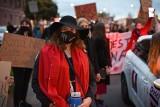 """Policja wzywa 19-latkę za zorganizowanie strajku kobiet w Gliwicach. """"Nasze spacery nie mają organizatorów. Oczywiście, że pójdę na kolejne"""""""