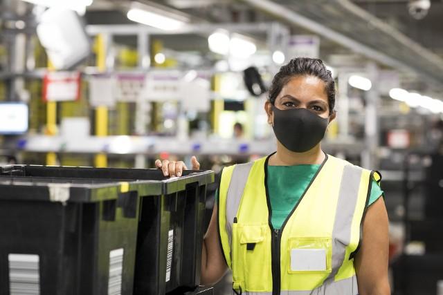 Amazon zwiększa zatrudnienie